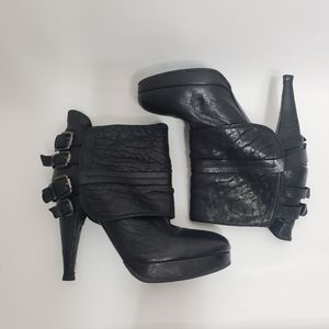 Vic Matie heeled leather booties